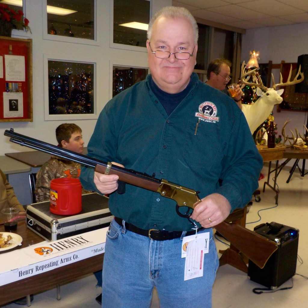 Leo wins 22 lever action rifle indraw
